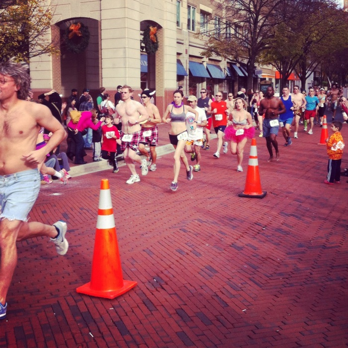 2012 Nearly Naked Mile, Participants, Reston Town Center