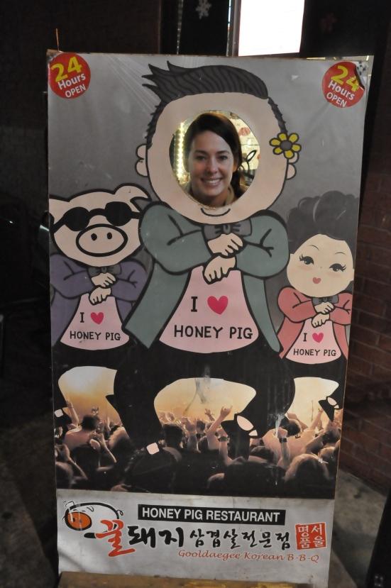 Lys-Psy loves Honey PIg